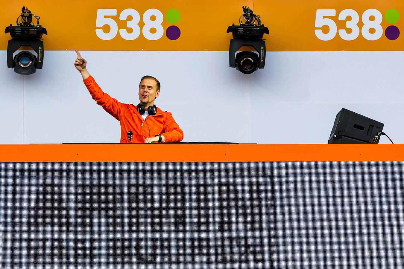 Armin van Buuren op Koningsdag 538 op Chasseveld in Breda.Foto Marcel van Dorst / MaricMedia