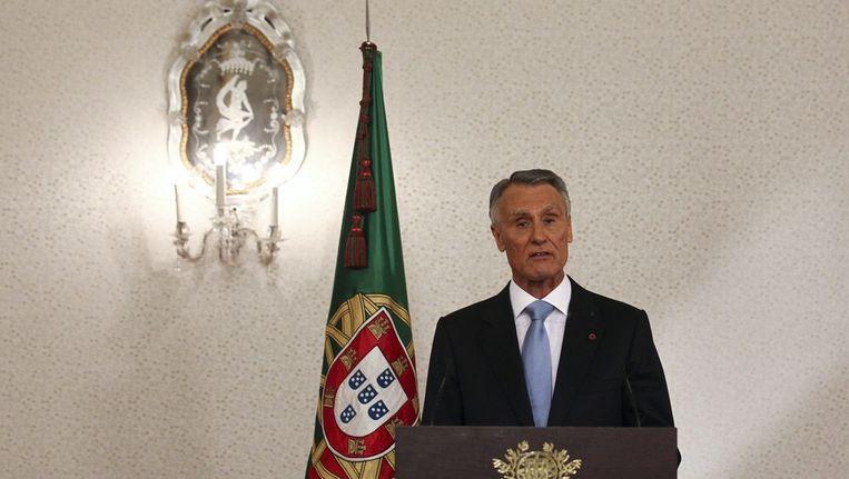 De Portugese president Silva spreekt het land toe. Beeld epa