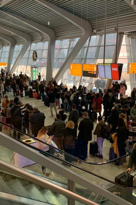 Minder vluchten Eindhoven Airport vertraagd of geannuleerd in 2019
