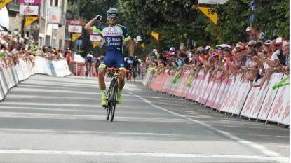 """KOERS KORT 30/07. Noor de sterkste in Ronde van Wallonië, volgwagen rijdt vluchter aan - """"Geen mechanische doping in Tour"""""""