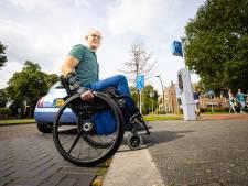 Rolstoeler Ralph (onder)zoekt de mogelijkheden in Harderwijk