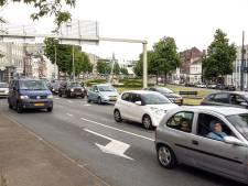 Kraan en moerriool zorgen voor chaos op centrumring Arnhem