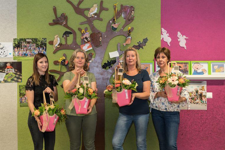 Begeleidsters van Tutti Frutti in de bloemetjes