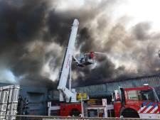 Grote brand verwoest pand Lealti Geveltechniek in Middelbeers
