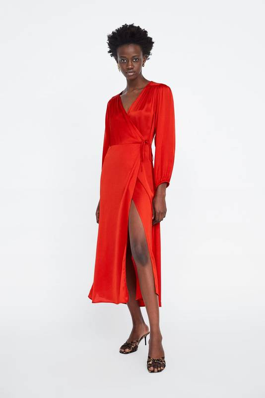 Robe satinée rouge - 49,95 euros