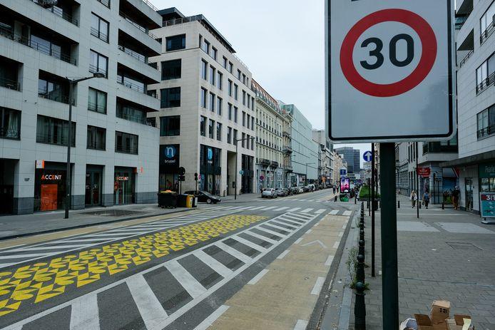 Dès le 1er janvier 2021, rouler à 30 km/h dans les rues de la capitale deviendra la règle générale, excepté sur certains axes structurants où la vitesse sera limitée à 50 ou 70 km/h.
