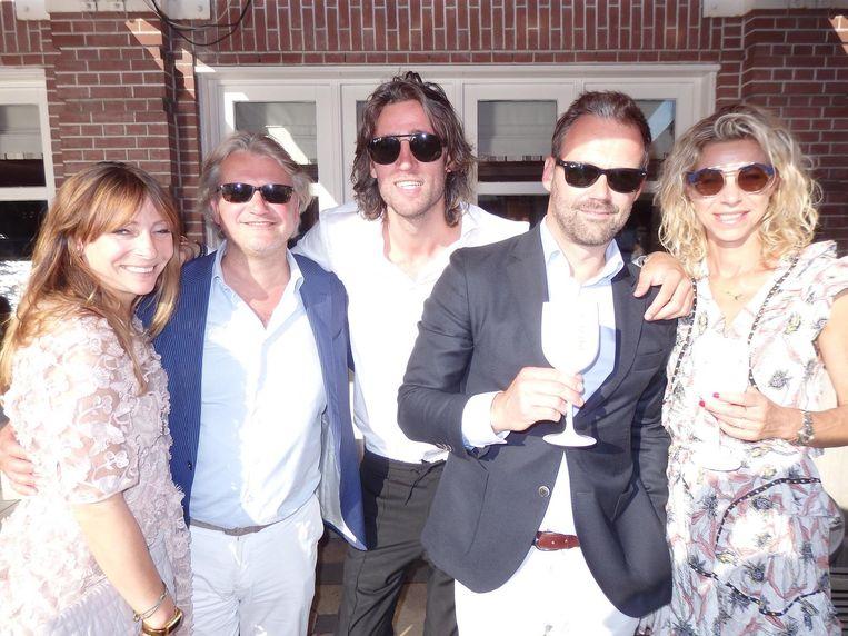 May-Britt Mobach (Amayzine), televisiemaker Ewart van der Horst, Sander Baane (Ennu), Bas van Bergen, de man van Lilian Cursters (UPR) Beeld Schuim