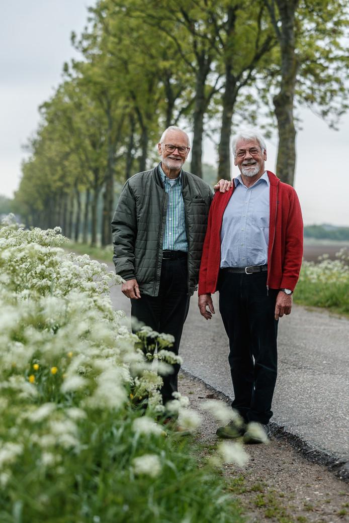 John Ettema (links) en Wim Rijnart staan pal voor het behoud van het Moerdijkse buitengebied. De Stichting Behoud Buitengebied Moerdijk bestaat deze maand 20 jaar.