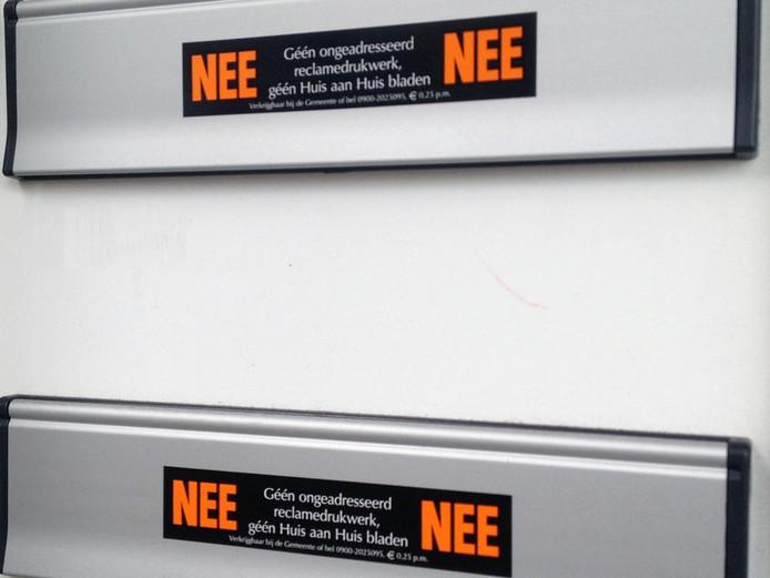 Deze stickers kunnen straks gewoon blijven zitten.