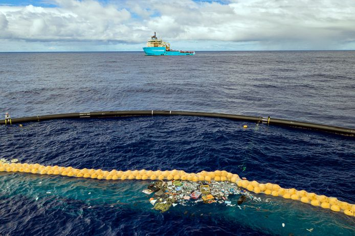 Le projet mené par The Ocean Cleanup a pour objectif de vider la moitié de la grande zone d'ordures du Pacifique d'ici 5 ans