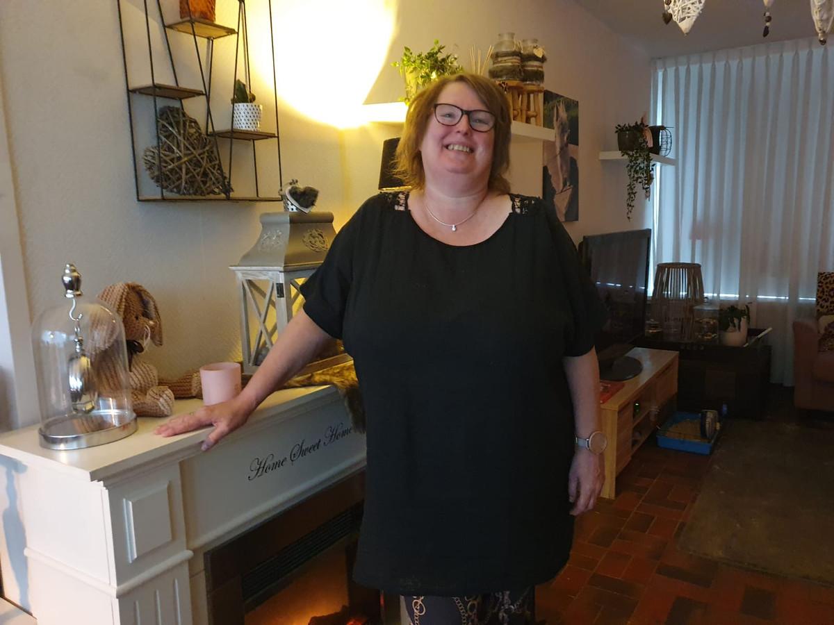 Ingrid Veldhuis uit Hengelo weet mensen uit Zwolle te raken met haar nostalgische Facebookpagina over die stad.