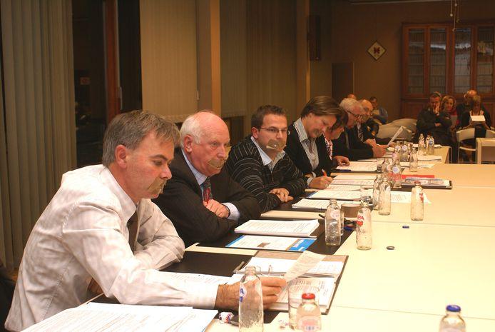 Fons Heyvaert, Frank Meysman, Joris Verspecht en Hilde Dehaene plakten hun mond af tijdens een actie in 2009 in de gemeenteraad van Merchtem.