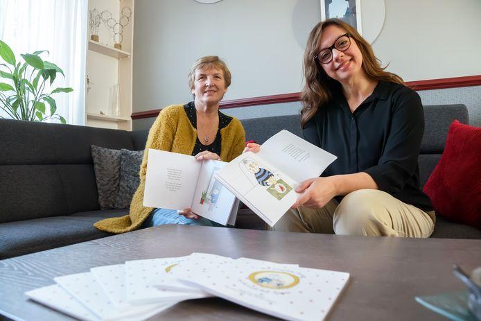 De Lage Zwaluwse oma Wies van Strien verzon twaalf jaar geleden een verhaaltje voor haar kleinzoon Julian. Het boekje is nu uitgegeven; dorpsgenoot Nicole Schuurmans maakte de tekeningen hiervoor.
