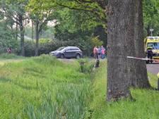 Motorrijder overleden na klap tegen boom in Halsteren