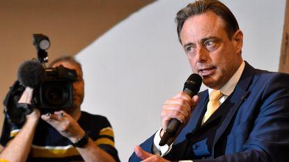 De Wever op werkbezoek naar Colombia (maar niet om over war on drugs te praten)