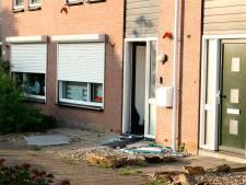 Inval woning Kruiningen in verband met overval festival Hrieps: 'Ik wilde open doen, maar mocht niet'