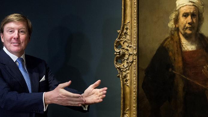 Willem Alexander met een zelfportret van Rembrandt