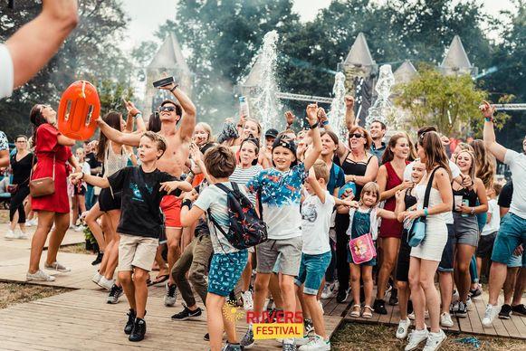 Jong en oud: letterlijk iedereen ging uit de bol op Rijvers Festival.