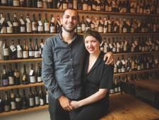 """Uitbaatster wijnbar ONA aan Nederkouter overwint lymfeklierkanker: """"Gewoon eens geen pijn hebben, dat doet deugd"""""""