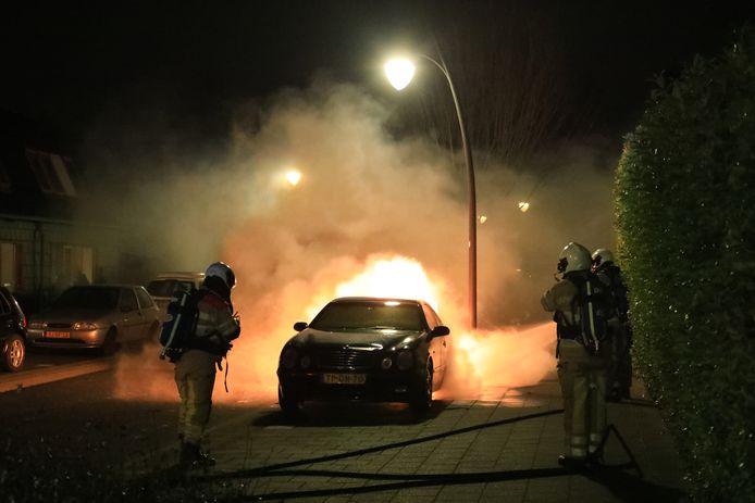 Met de vliegtuigjes moeten autobranden voorkomen worden