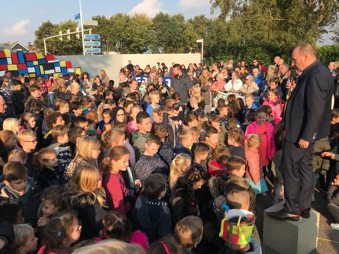 De hele basisschool De Noordster was aanwezig.