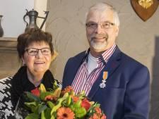 Lintje voor 47 jaar vrijwilligerswerk in Beckum