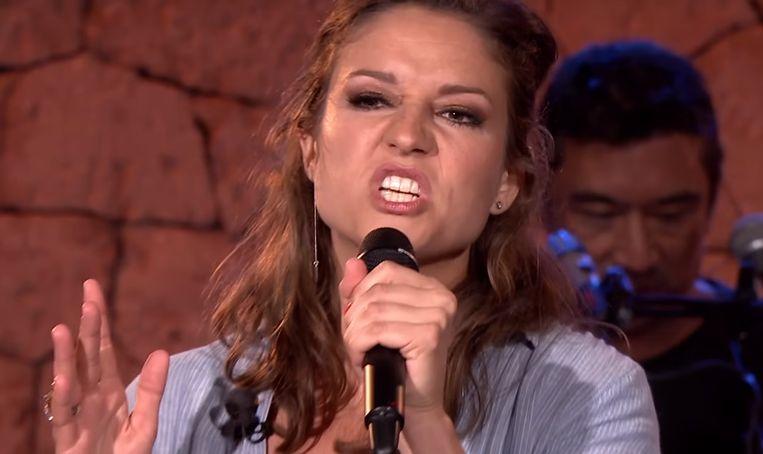 Maria als rapper in Beste Zangers.
