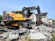Geen bewijs van aanslag: uitgebrande villa aan de Ouwer gaat eindelijk tegen de vlakte