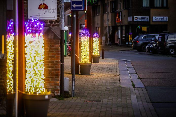 Deze kerstverlichting in Ettelgem, deelgemeente van Oudenburg, gaat ook internationaal over de tongen.