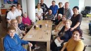 Vriendengroep deelt ijsjes uit in Betze Rust