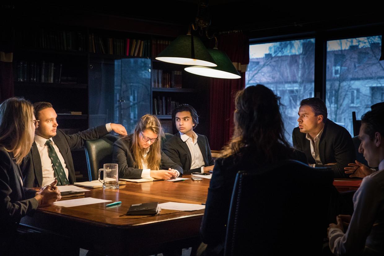 Een vergadering van het bestuur van RSC/RVSV op maandagochtend. Beeld Marlena Waldthausen