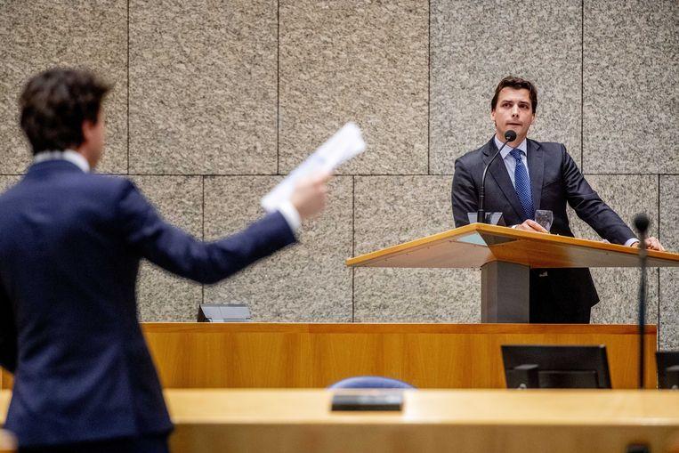 Jesse Klaver en Thierry Baudet tijdens een debat in de Tweede Kamer over de doorrekening van het Klimaatakkoord. Beeld ANP