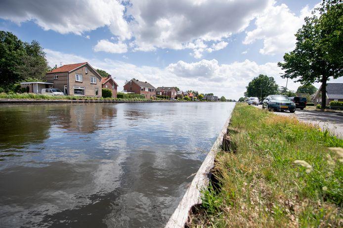 Woningen langs kanaal Almelo De Haandrik