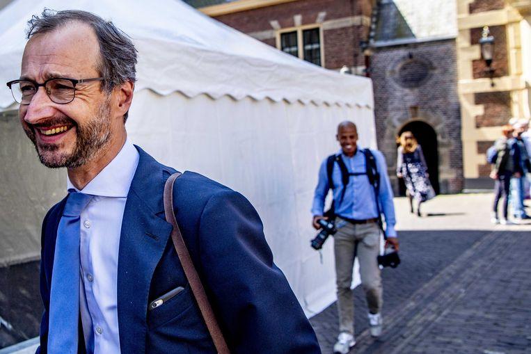 Minister Eric Wiebes   op het Binnenhof.  Beeld ANP - Robin Utrecht