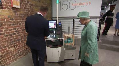 """De Queen maakt kennis met selfscankassa's: """"Kan je dan niet valsspelen?"""""""