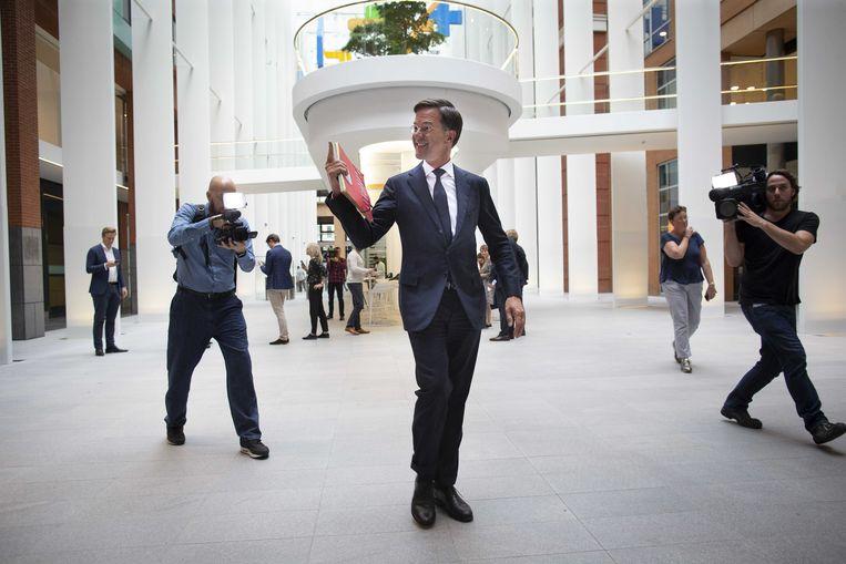 2018-10-15 14:43:36 DEN HAAG - Premier Mark Rutte maakt bekend dat het plan om de dividendbelasting af te schaffen definitief van de baan is.  Beeld ANP