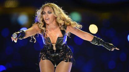 Beyoncé populairste artiest van 2014 op Facebook