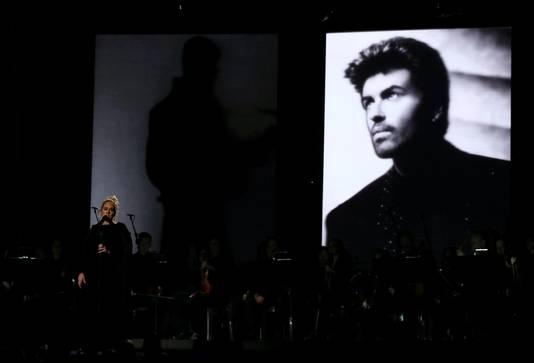 Adele zingt eerbetoon aan George Michael.
