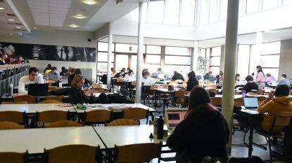 """Jong CD&V wil studenten opnieuw samen laten studeren: """"Advies blijft thuis studeren"""", reageert schepen Thomas Van Oppens (Groen)"""