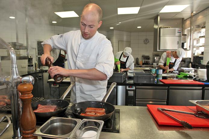 Wouter van Laarhoven anno 2010 in de keuken van restaurant De Molen in Kaatsheuvel.