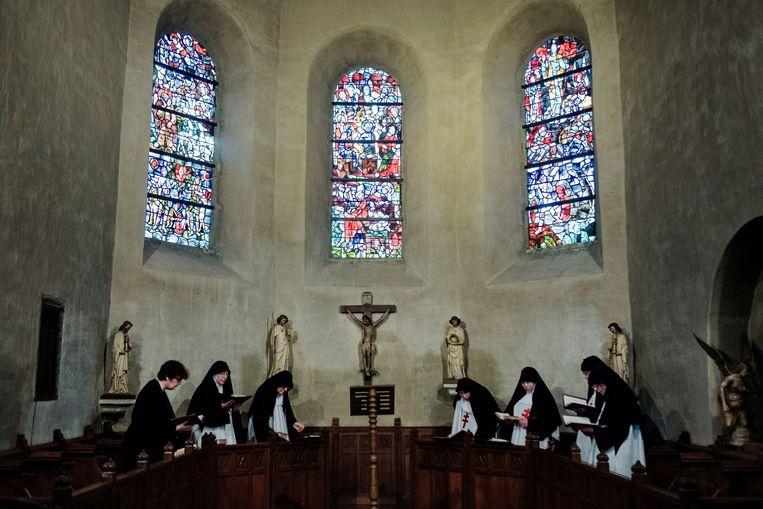 Het dagschema in het klooster in Sint Odiliënberg is strak, bijna tot op de minuut uitgeschreven. Beeld Merlin Daleman