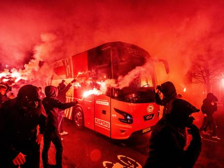 PSV-supporters opnieuw volle bak achter hun ploeg, zaterdag nieuwe steunbetuiging