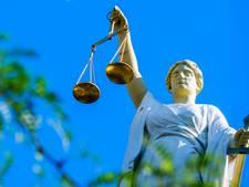 Advocaat Bart V. uit Dongen vast voor drugs- en wapenhandel