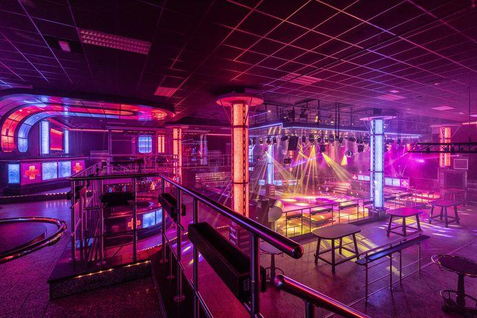 Een lege discotheek Dieka.