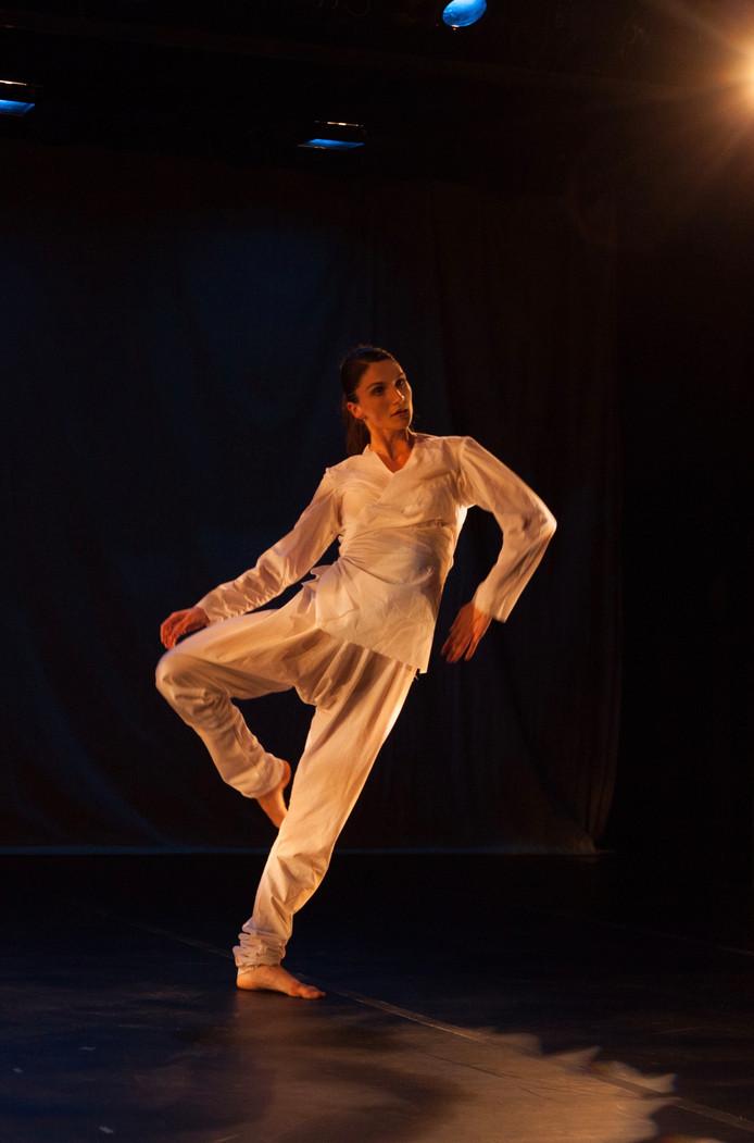 Marina Bilterijst zette haar eerste danspassen bij kunstencentrum De Aleph in Drunen. Nu danst Bilterijst bij Krisztina de Châtel in Amsterdam.