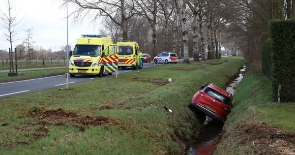 Twee gewonden bij ongeluk op Rondweg in Uden.