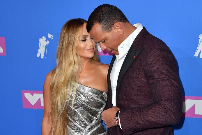Jennifer Lopez en Alex Rodriguez hebben nog niet gereageerd op de beschuldigingen.