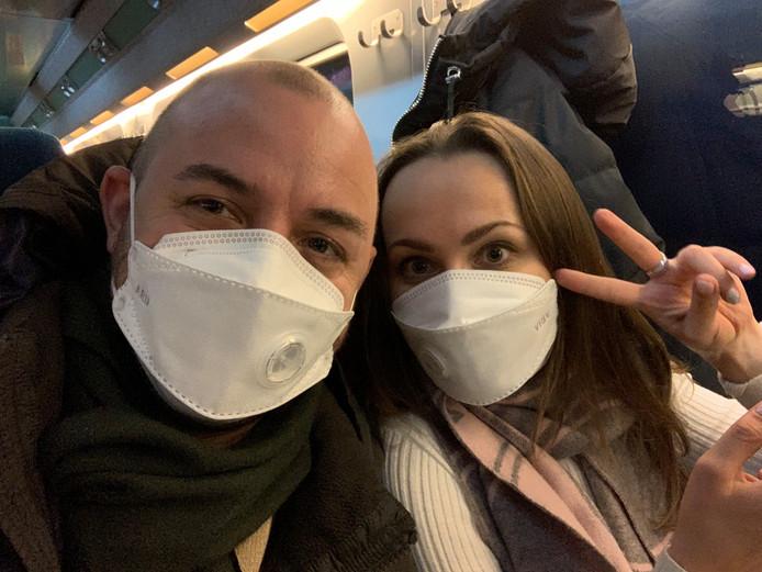 Alexander Suma en zijn vrouw Elena in Zuid-Korea. Kort daarna werd hij ziek.
