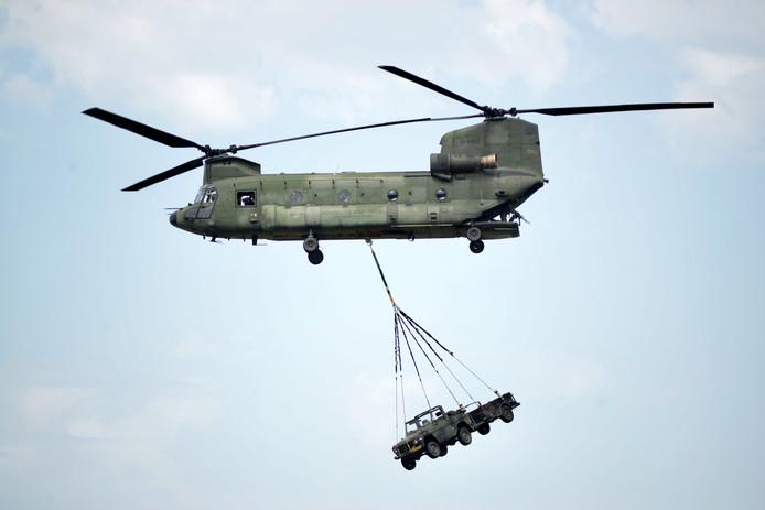 Luchttransport met een Chinook.