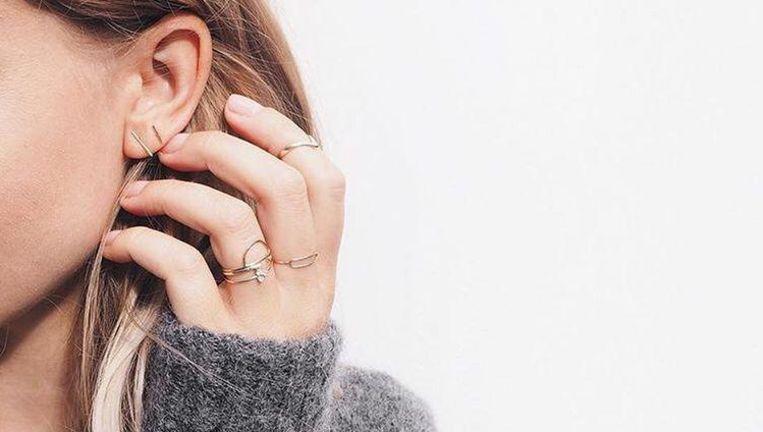 Bekend Waarom de gaatjes in je oren soms stinken | Fit & Gezond | Nina | HLN #DF97
